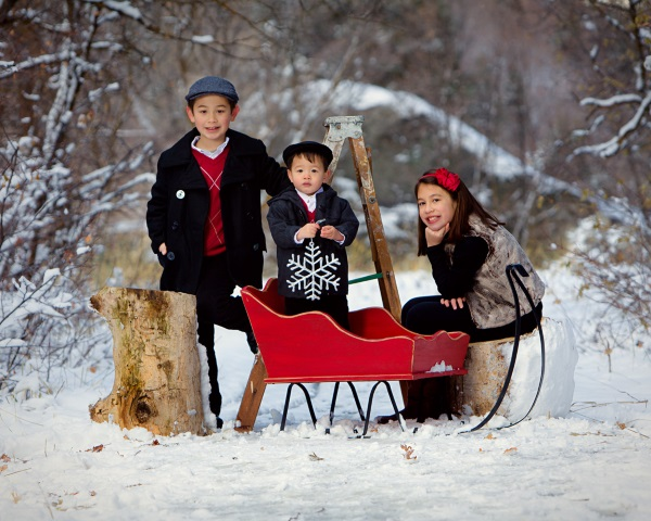 Christmas-Picture-Ideas-for-Brothers-and-Sisters
