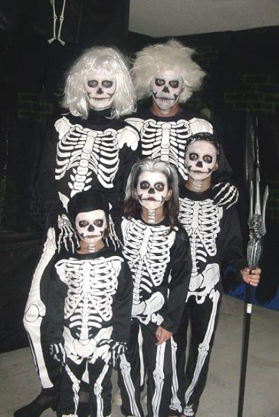 photo: groupdcostumehalloweenideas