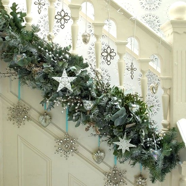 image source - Decorating Banisters For Christmas With Ribbon
