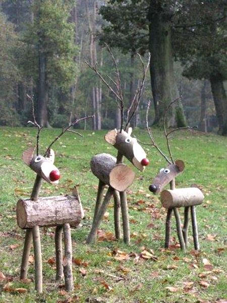 reindeer-outdoor-christmas-decorations