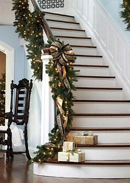 Christmas staircase decorating ideas pink lover for Stair railing decorated for christmas