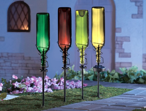 DIY Christmas Lighting For Yard. Image Source