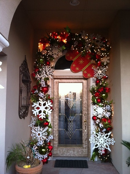 image source image source outdoor christmas light decorations - Beautiful Christmas Door Decorations