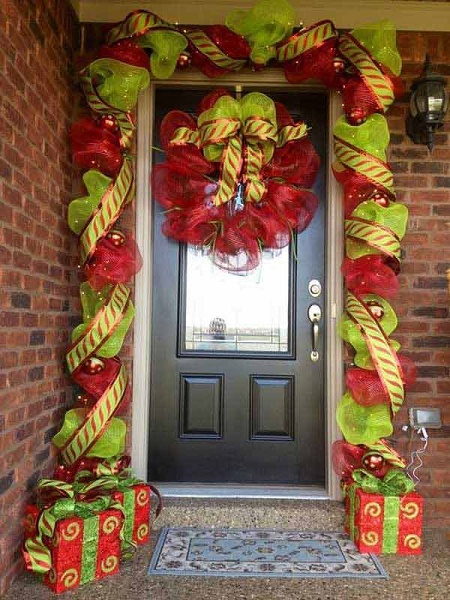 best christmas door decorations 1 - Best Christmas Door Decorations