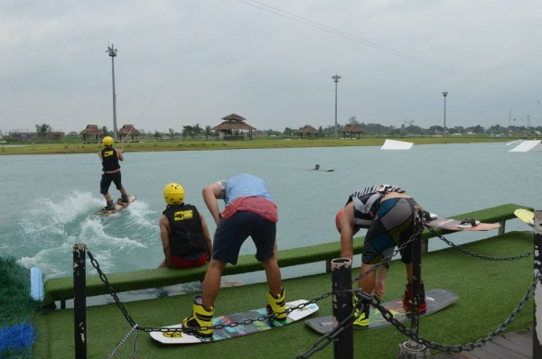camsur-water-sports-complex-picture