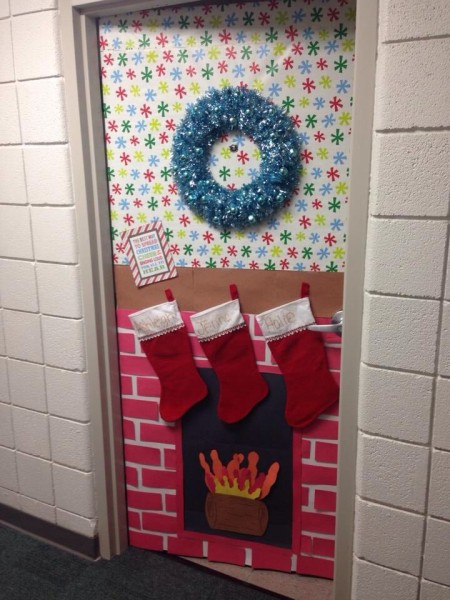 Chimney Christmas Door Decoration Ideas