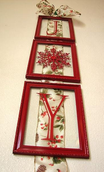 chrismas-decorations-frame