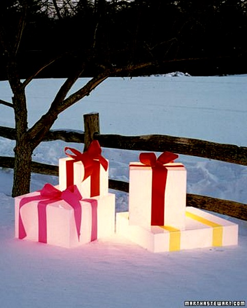 50 best outdoor christmas lighting ideas pink lover lighted gifts christmas decors image source aloadofball Images