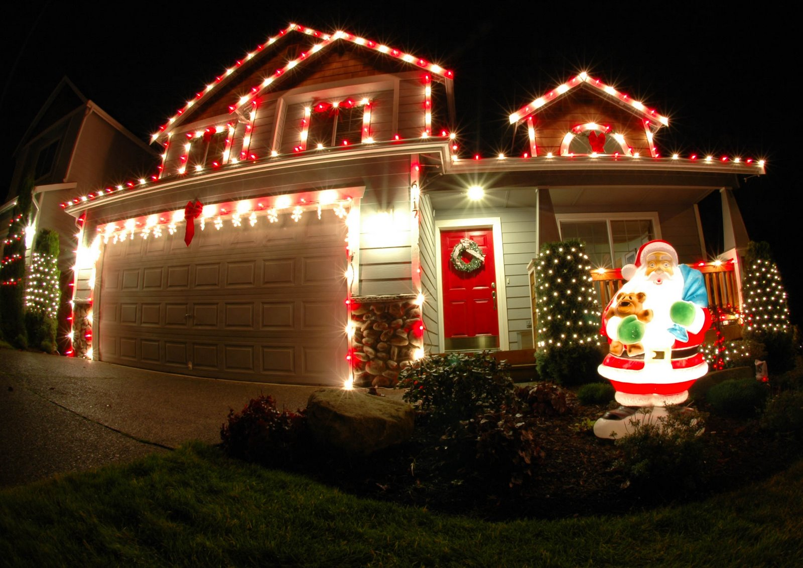 Magical Christmas House Lights Ideas - Pink Lover
