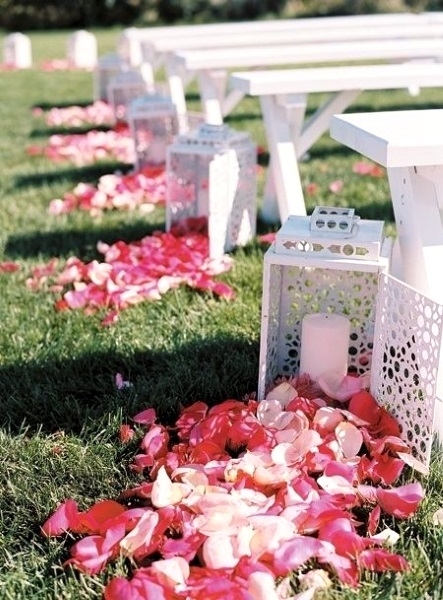 easy-diy-outdoor-wedding-aisle-decorations