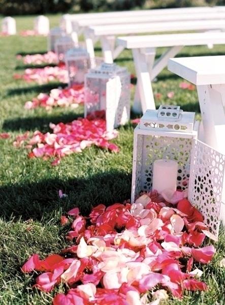 easy-diy-outdoor-wedding-aisle-decorations