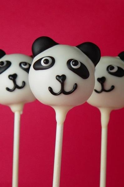kung-fu-panda-birthday-cake-pops