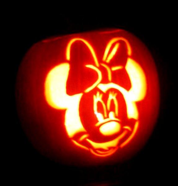 http://www.hauntedcarving.com