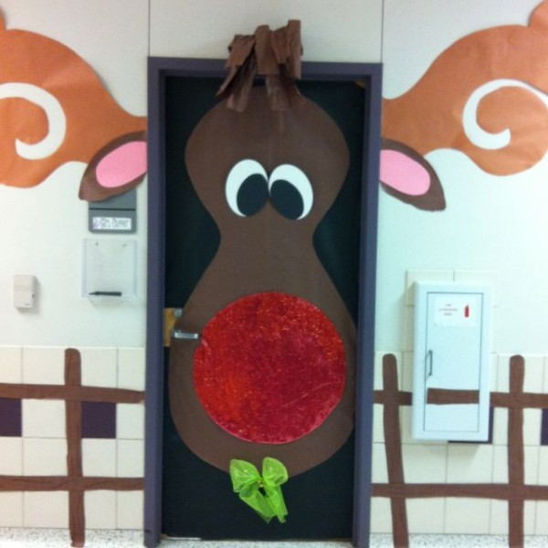 rudolph-christmas-door-decoration