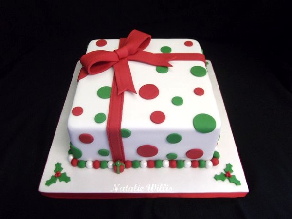 55 Tempting Christmas Cake Designs - Pink Lover