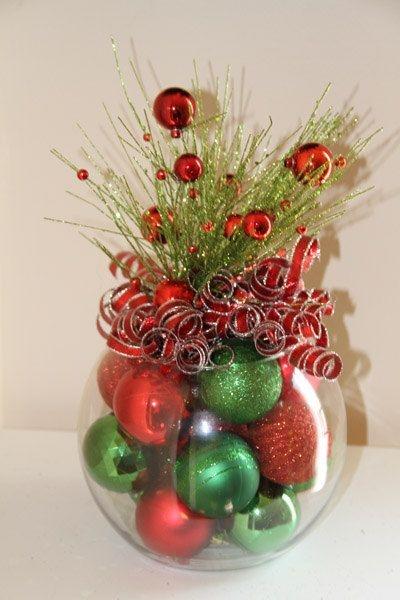 image source - Simple Christmas Centerpieces