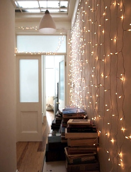 Wall With Christmas Lights : 50 Beautiful Indoor Christmas Lighting Ideas - Pink Lover