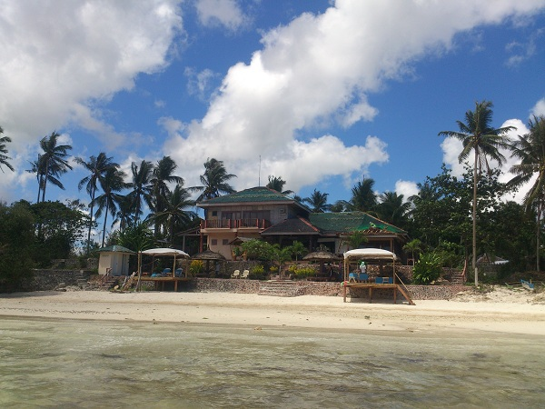 blue-wave-inn-resort-siquijor-beach-10
