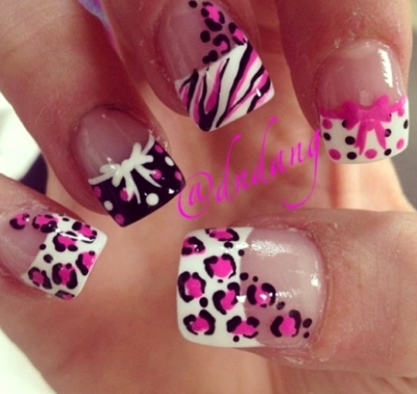 hello-kitty-french-tip-nail-art-designs