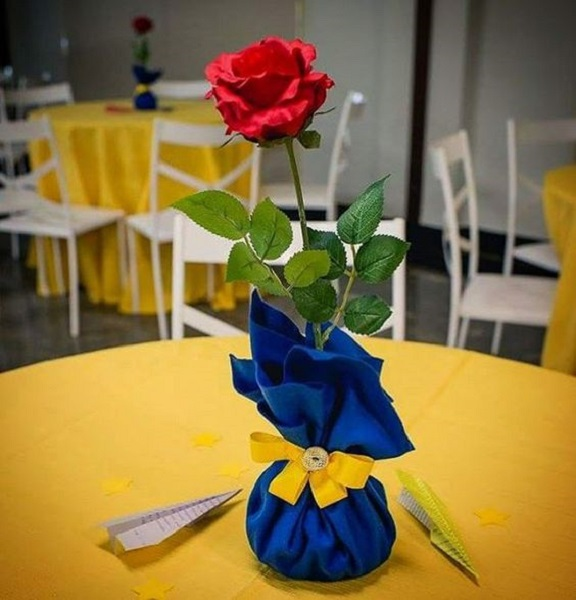 Beauty and the beast birthday party ideas best for little for Beauty and beast table decorations
