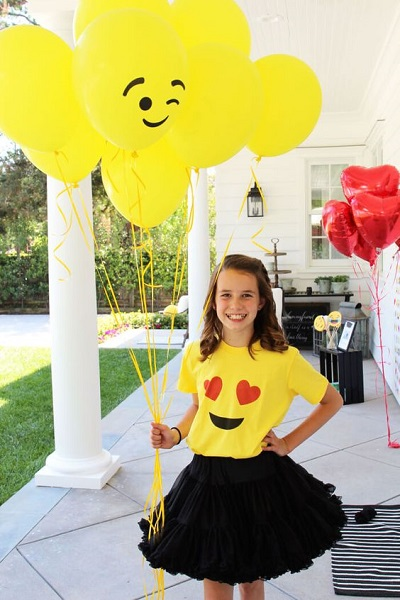 Emoji Birthday Party Outfit DIy Costume