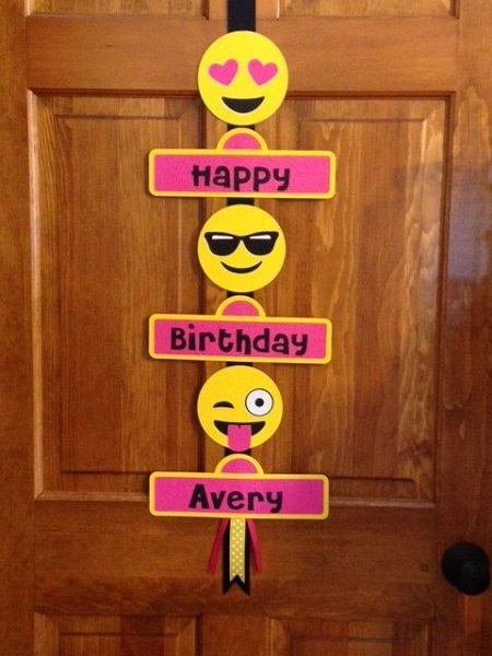 DIY Emoji Door Decorations
