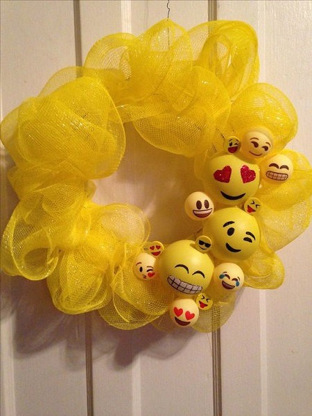 DIY Emoji Door Decorations & 50 Emoji Birthday Party Ideas - Pink Lover