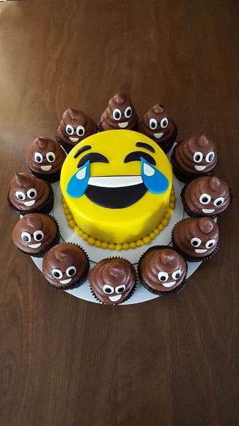 Cake Designs Emoji : 50 Emoji Birthday Party Ideas - Pink Lover