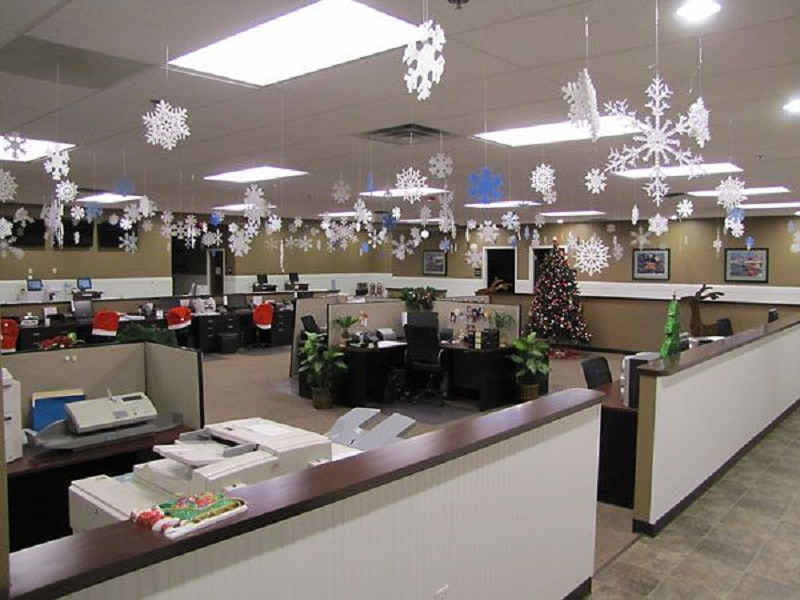 office-christmas-decors