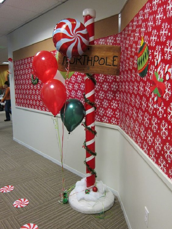 office-hallway-christmas-decorations