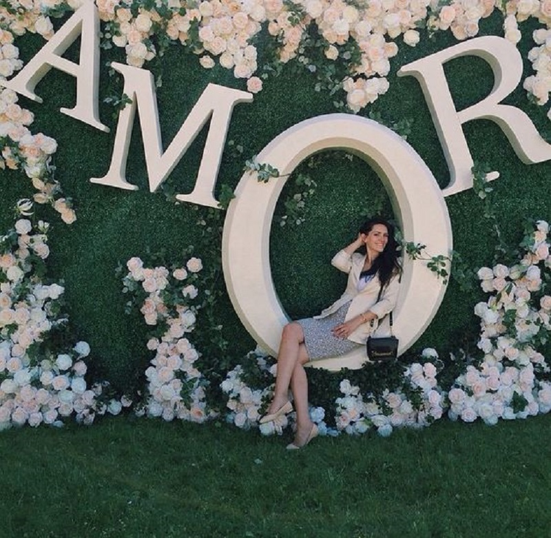beautiful-diy-wedding-photobooth
