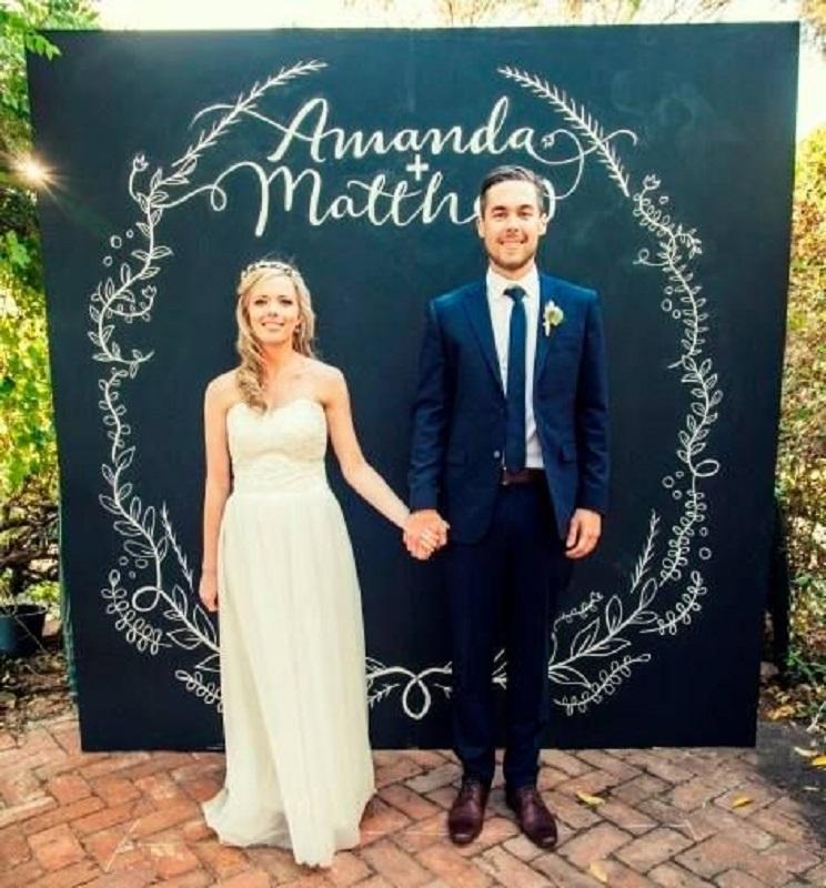 cheap-wedding-photobooth
