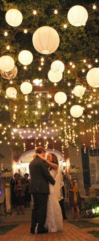diy-paper-lantern-wedding-decorations
