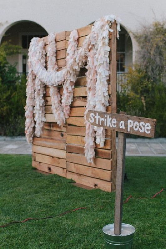 easy-diy-wedding-photobooth