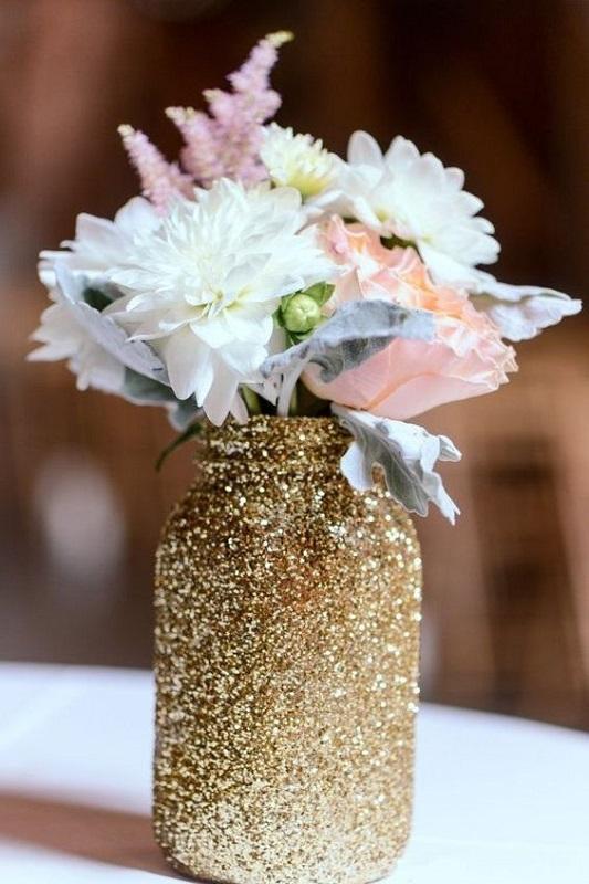 mason-jar-wedding-decorations