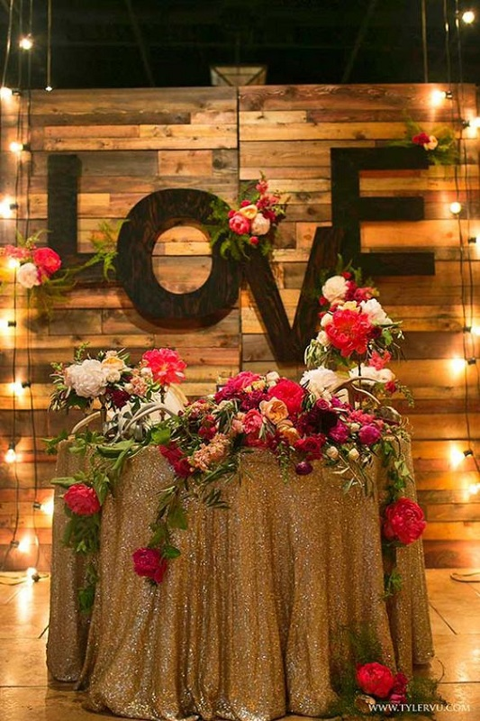 wedding-stage-decorations